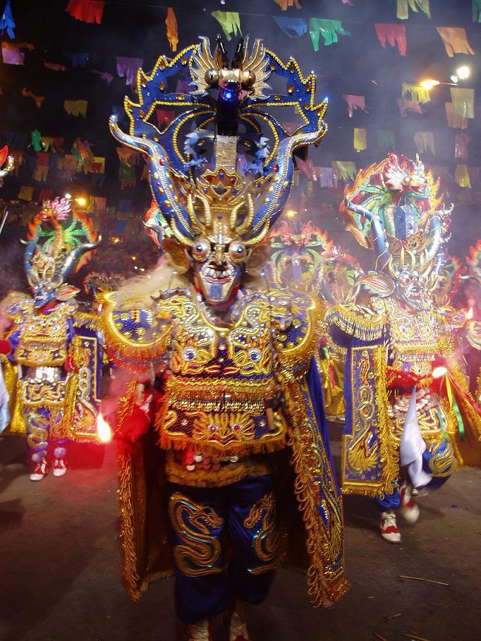 Le carnaval d'Oruro en Bolivie. Deux siècles de festivités témoignant d'un mélange de tradition et de colonisation