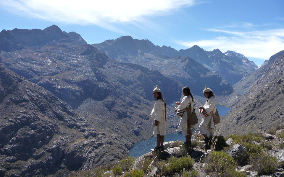 Koguis; las sociedades Raíces hoy: ¿testimonio arcaico o fuente de inspiración para el futuro?