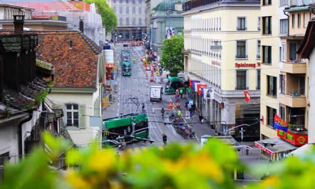 Conférence de NICOLAS G. HAYEK : pourquoi la Suisse n'intègre-t-elle pas l'union européenne