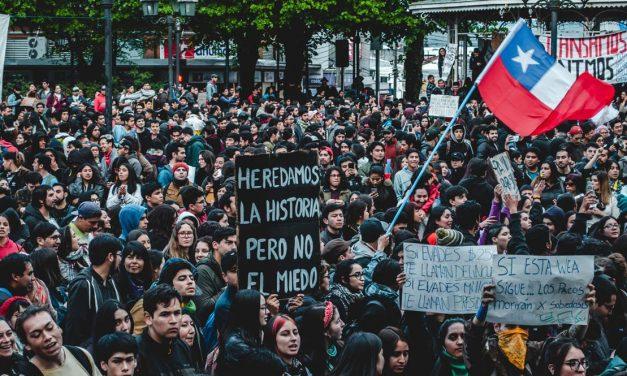 Por una nueva constitución chilena