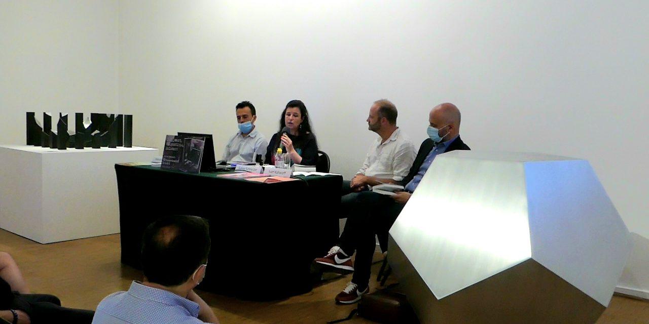 Conferencia en el Instituto Cultural de México, descubrimiento de la novela de Sylvia Schneider